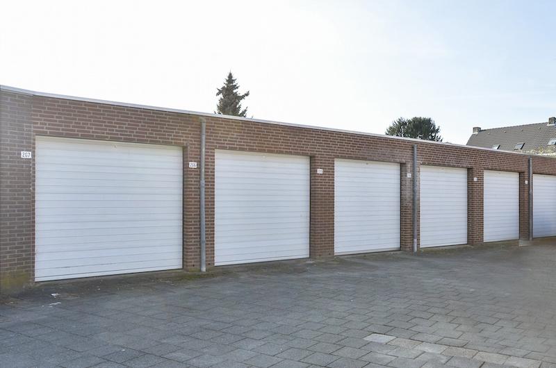 Buckx Vastgoed | Garage te huur achter de Borner Markt in Born