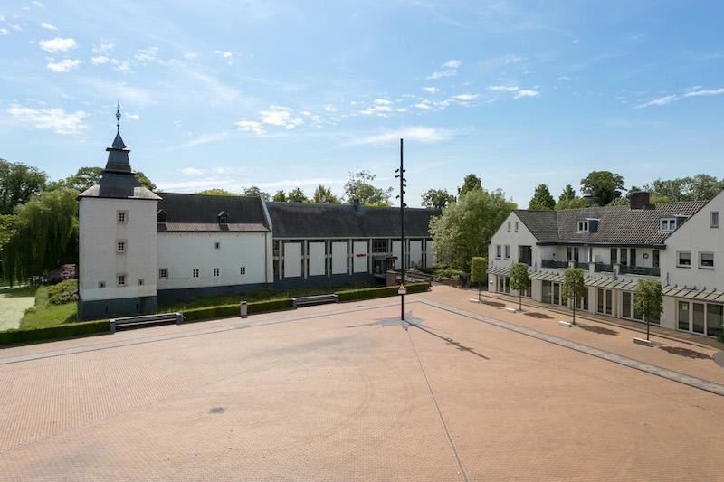 Buckx Vastgoed | Borner Markt 2f te Born - voormalige gemeentehuis, markt en voorgevel